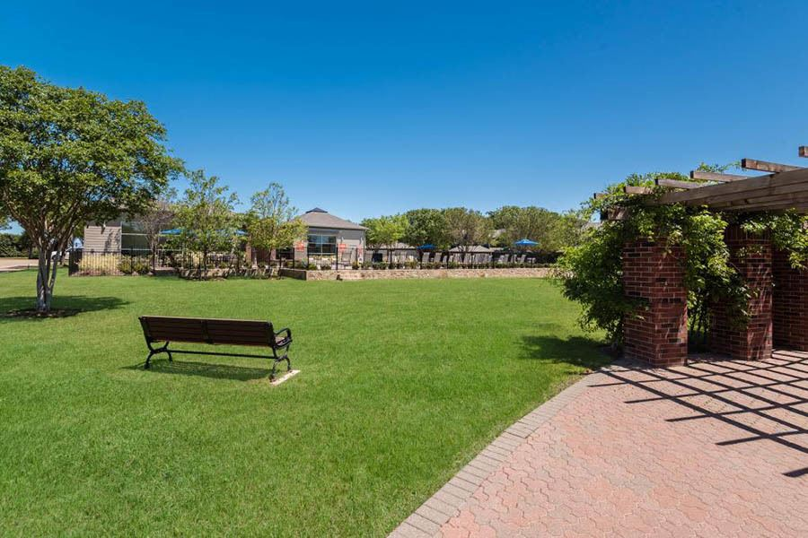The grounds at apartments in Fort Worth