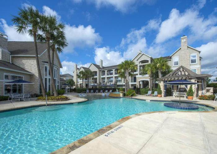 The Retreat at Cinco Ranch offers an impressive list of features and amenities in Katy