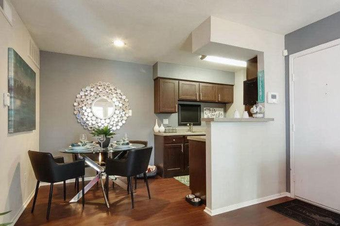 Vantage Point offers spacious 1 & 2 bedroom apartments for rent in Houston