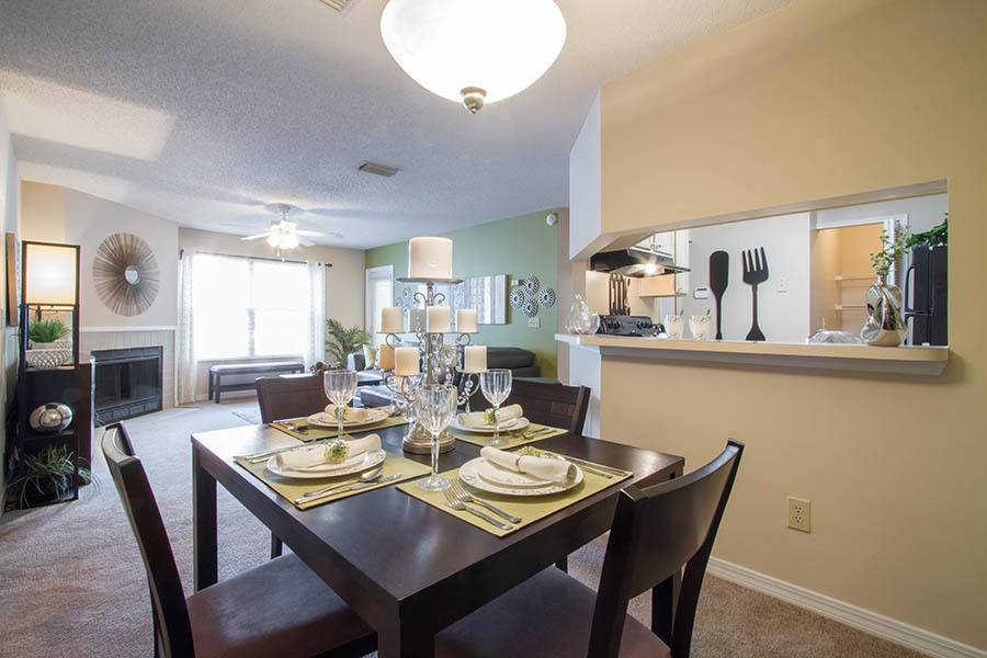 Dining room at apartments in Orange Park
