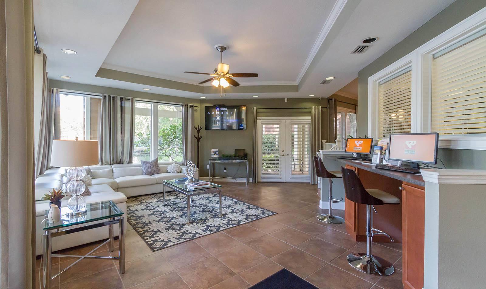 Lounge at apartments in Orange Park, FL