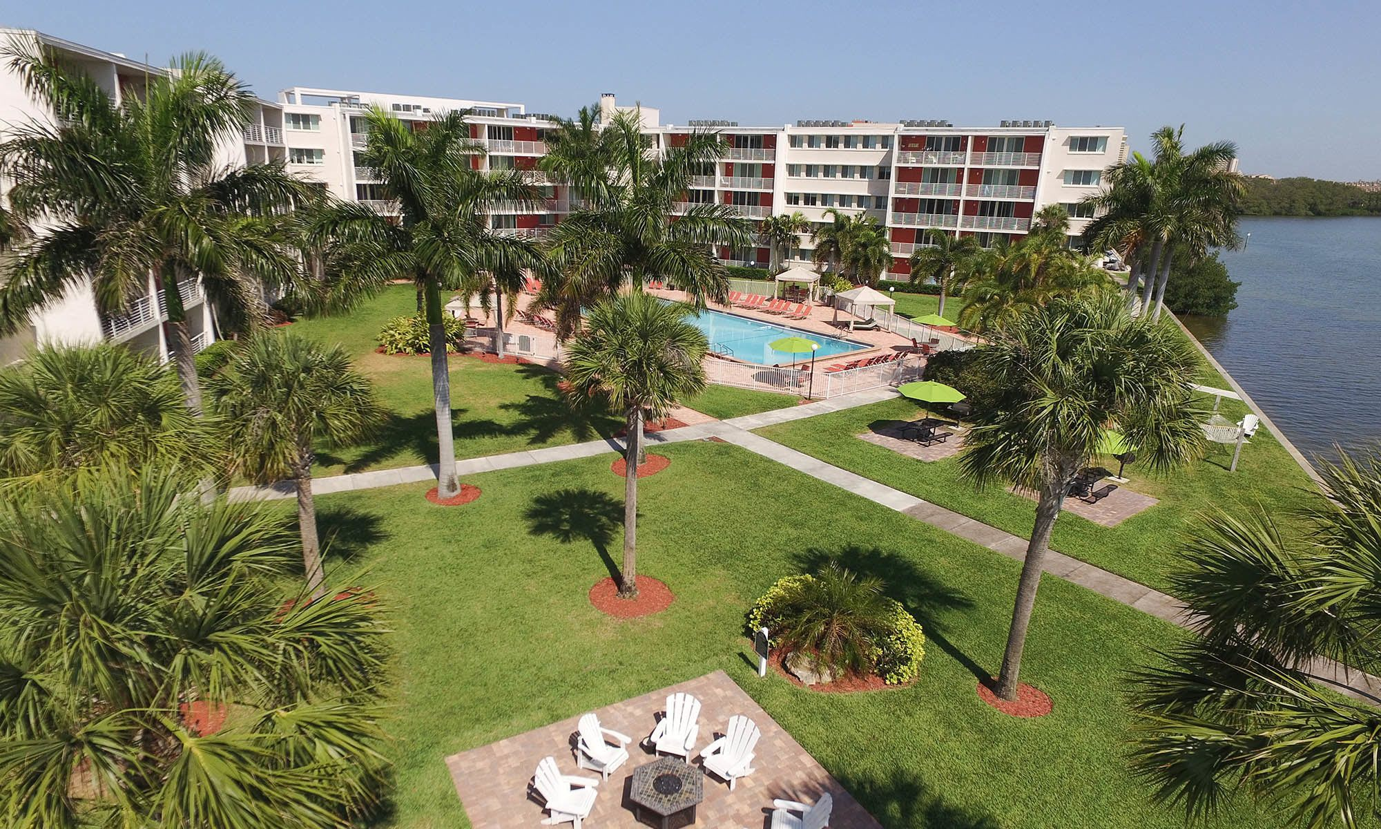 Welcome to Waters Pointe Apartments in South Pasadena, FL