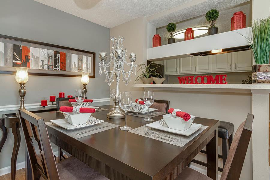 Dining room at apartments in Tampa