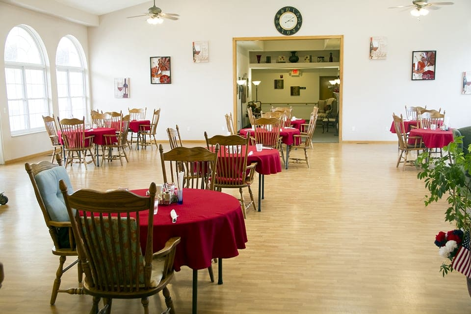 Red Bud dining room