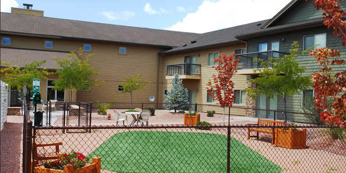 Yard at Majestic Rim Retirement Living in AZ