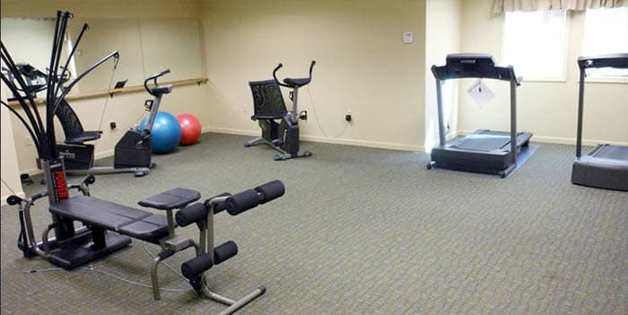 Fitness center at Majestic Rim Retirement Living in AZ