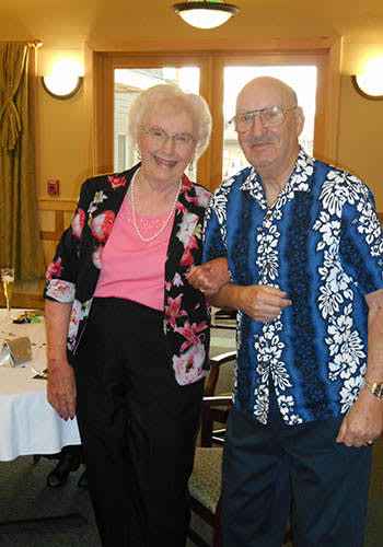 Resident couple at Majestic Rim Retirement Living