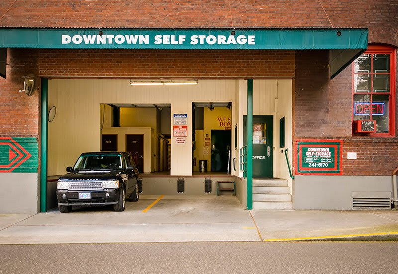 Covered access at Downtown Self Storage - Johnson Street