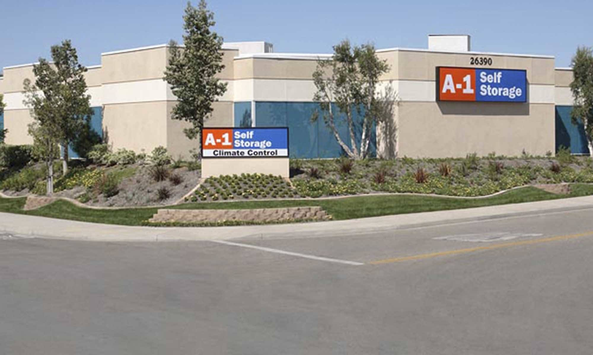 Self storage in Lake Forest CA