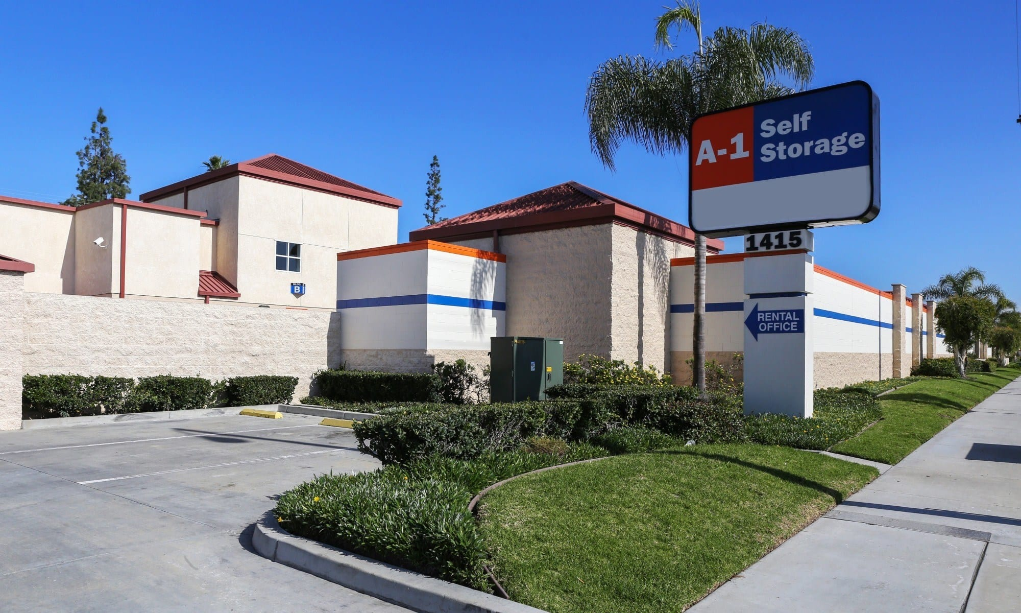 Self storage in Fullerton CA