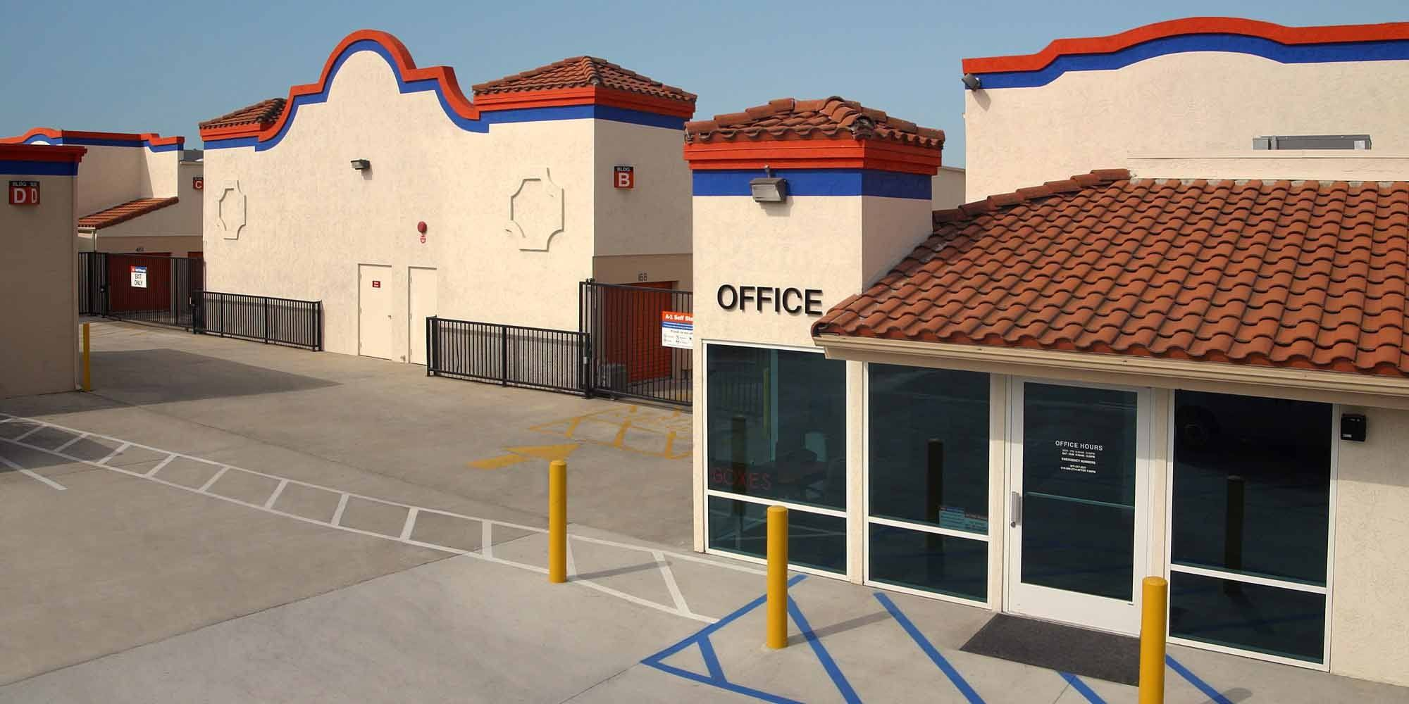 Self storage in El Cajon CA