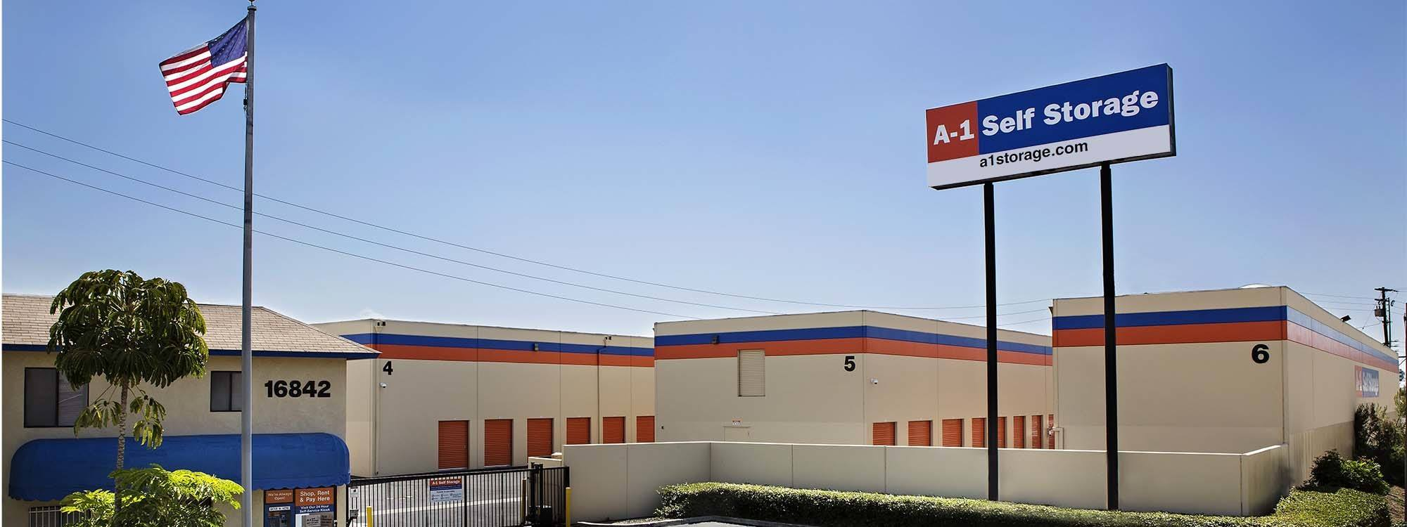 Self storage in Fountain Valley CA