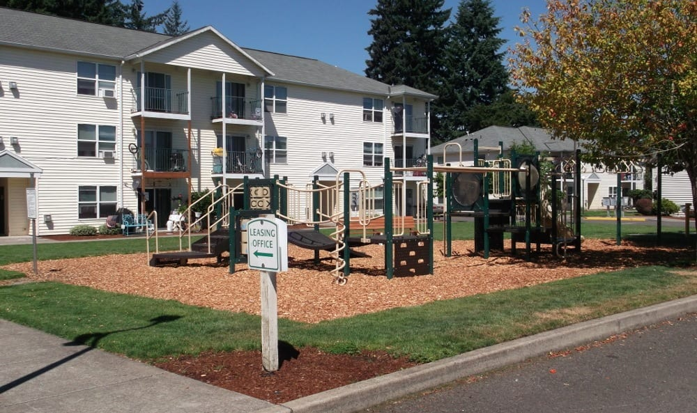 Play ground at Orchard Glen