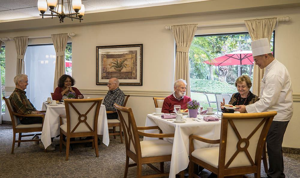 Dining at Pasadena Highlands in Pasadena CA
