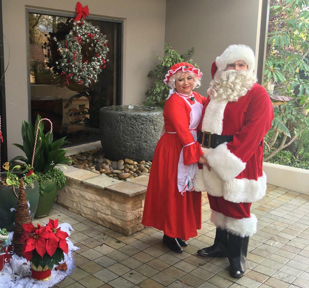 Santa and Mrs Claus at Pasadena Highlands