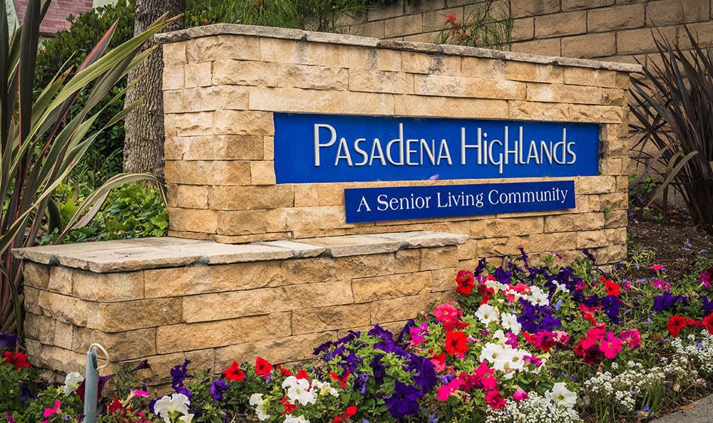 Sign at the entry to Pasadena Highlands