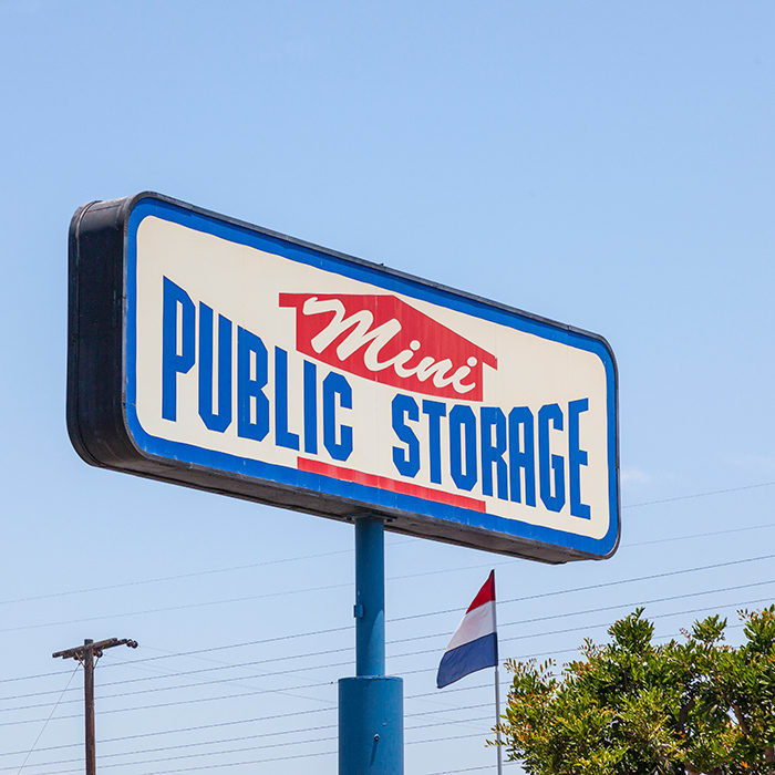 Visit Mini Public Self Storage's website for extremely helpful tips and tricks to help you prepare for and execute a successful move!