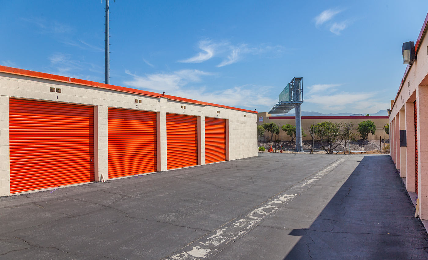 We're your one-stop shop for your packing, moving, and storing needs at Sun Valley Self Storage in Sun Valley.
