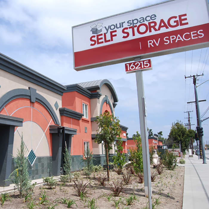 Visit Your Space Self Storage's website for extremely helpful tips and tricks to help you prepare for and execute a successful move!