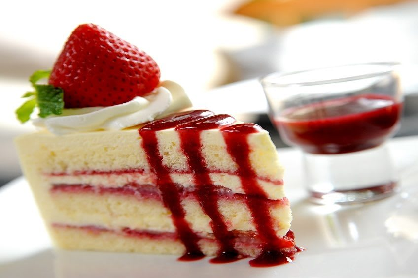 Enjoy a delectable dessert after dinner at Brightwater Senior Living of Tuxedo
