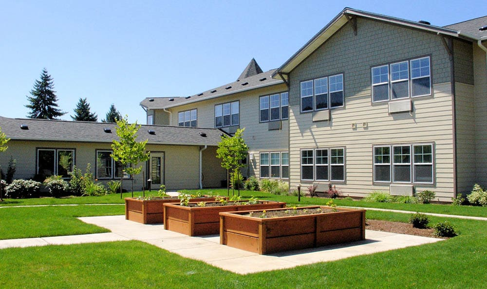 Raised Beds at Middlefield Oaks Assisted Living and Memory Care in Cottage Grove, OR