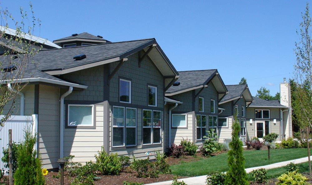 Well Landscaped Grounds at Middlefield Oaks Assisted Living and Memory Care in Cottage Grove, OR