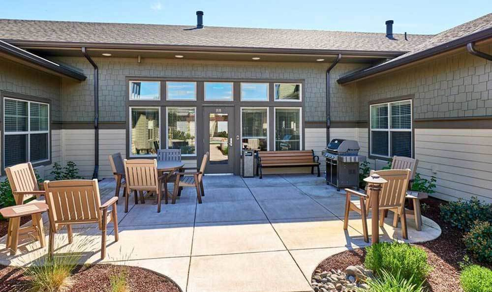 Patio at Waterhouse Ridge Memory Care in Beaverton, OR