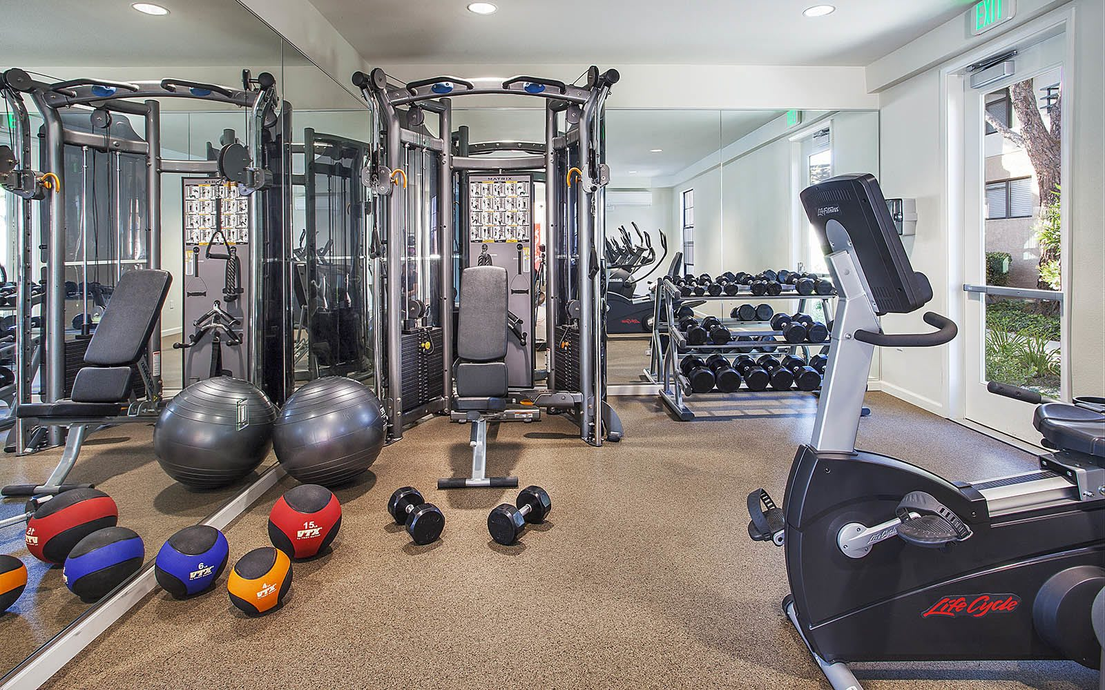 Well Equipped Fitness Center at Cypress Point Apartments in Ventura, CA