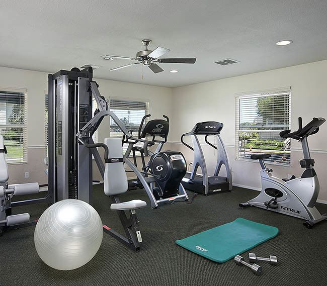 Fitness center at Oceanwood Apartments