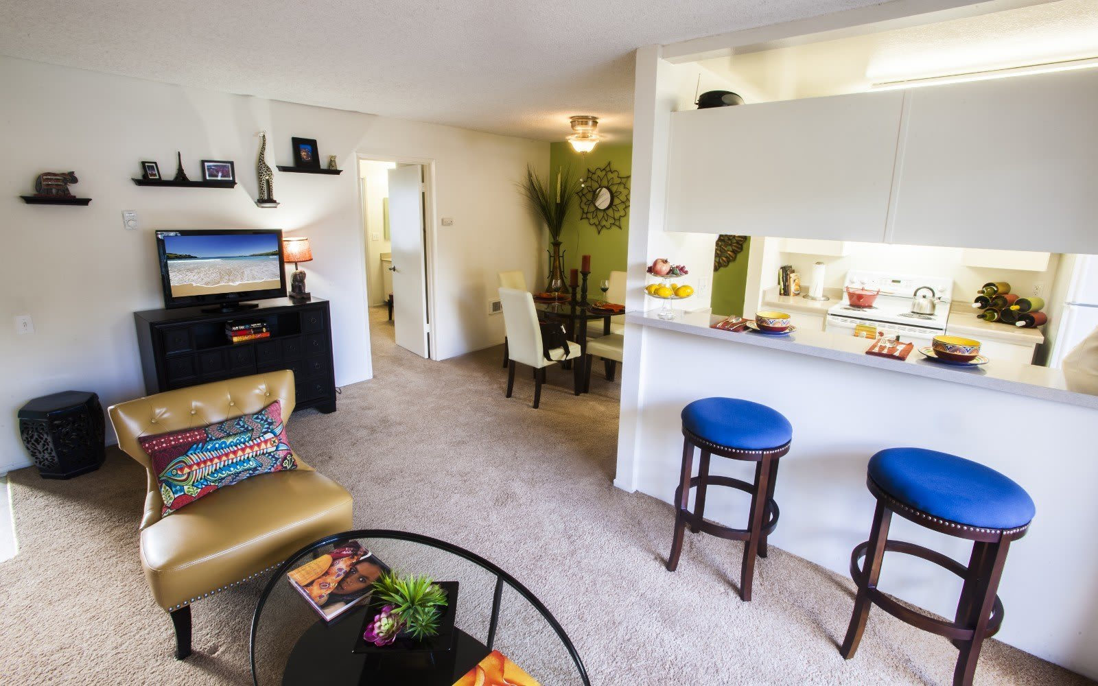 Kitchen and dining room at Pacific Oaks Apartments