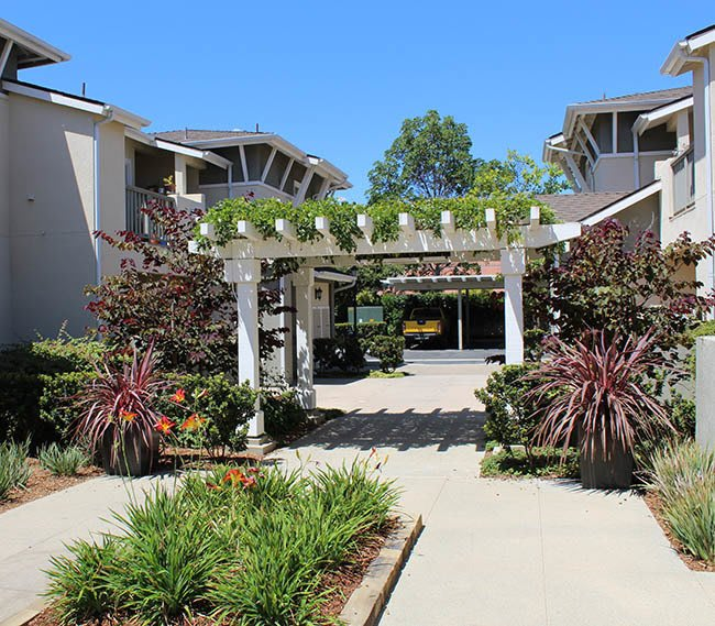 Garden at Ralston Courtyard Apartments