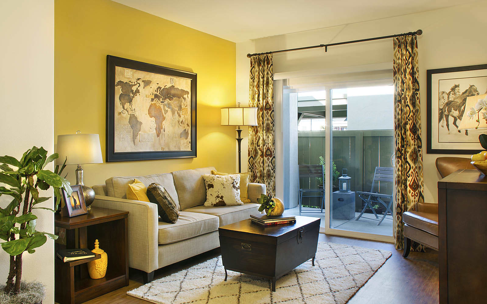 Living Room With Accent Wall at Siena Apartments in Santa Maria, CA