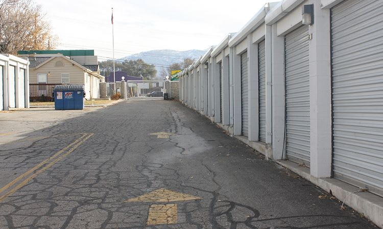 Wide driveways in Towne Storage in Clearfield, UT