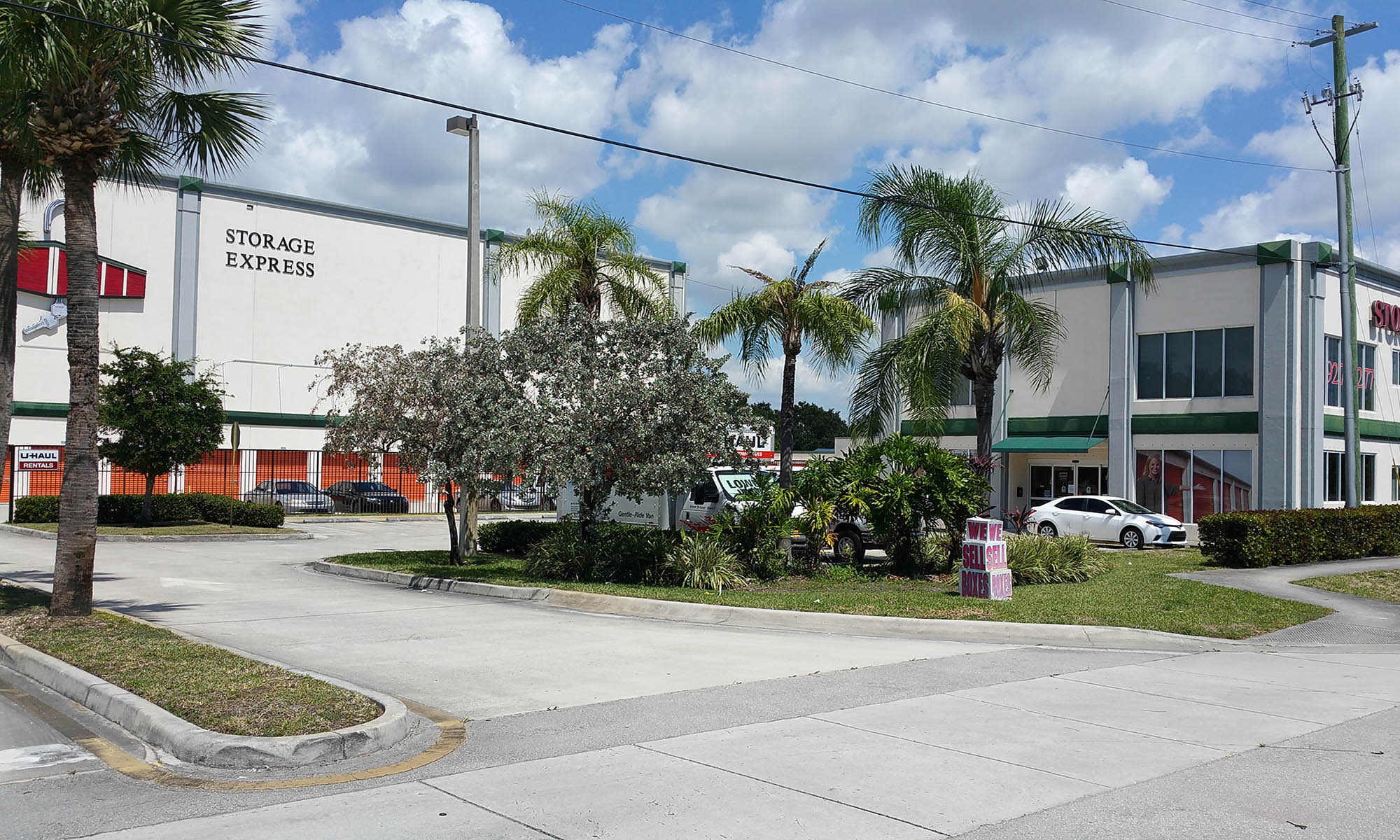 Self storage in Hollywood FL