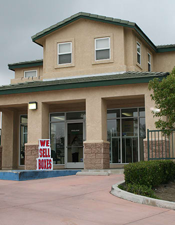Moving in specials for West Simi Lock-Up Self Storage.
