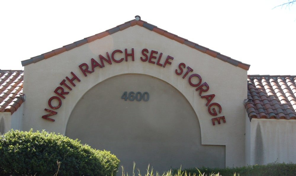North Ranch Self Storage has wide aisle to drive down.