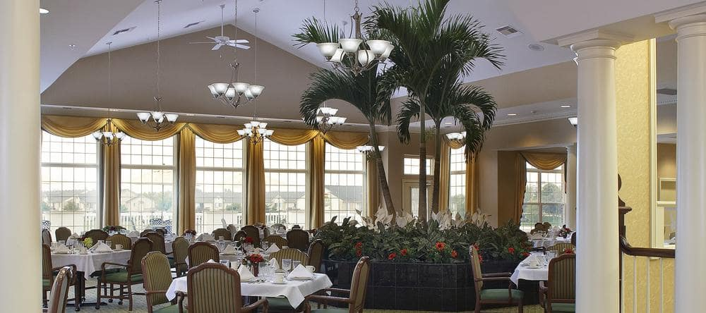 Dining area at Waltonwood Lakeside in Sterling Heights, MI