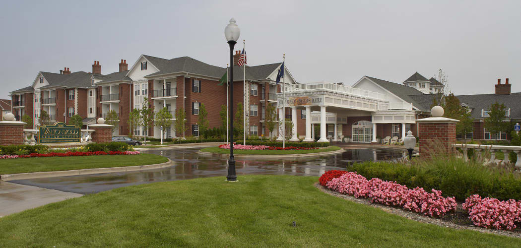 Exterior at Waltonwood Lakeside in Sterling Heights, MI