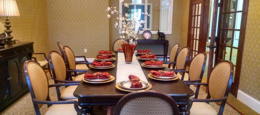 Waltonwood at Ashburn offers a dining area in Ashburn, VA