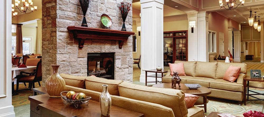 Lounge at memory care facility in Ashburn, VA
