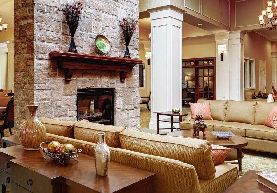 Lounge at Waltonwood at Ashburn in Ashburn, VA