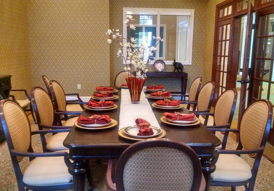Dining room at Waltonwood at Ashburn in Ashburn, VA.