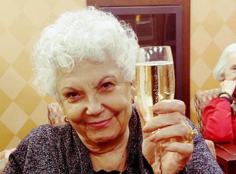 Residents Celebrate New Years Eve at Merrill Gardens at Green Valley Ranch in Henderson
