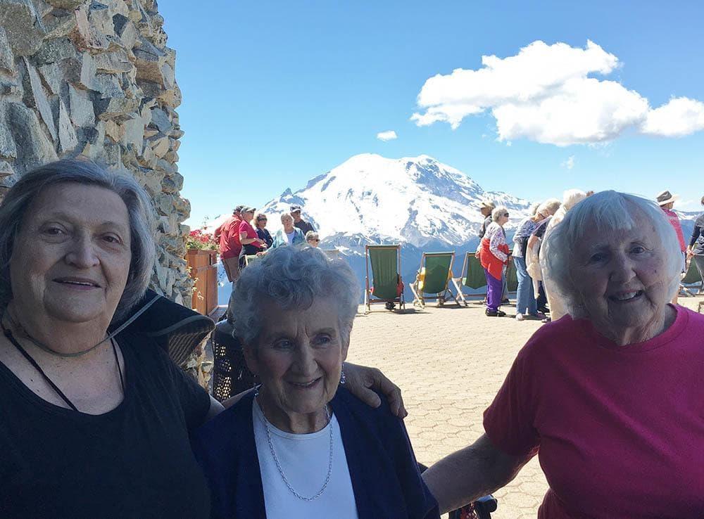 Merrill Gardens at Tacoma Residents Enjoying Outing