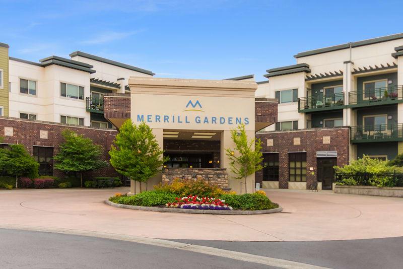 Front entrance at Merrill Gardens at Tacoma in Tacoma