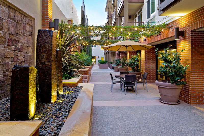 Patio seating at Merrill Gardens at Bankers Hill in San Diego, CA