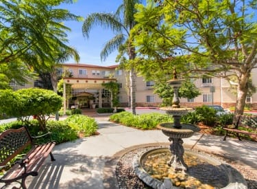 Community of senior living in Huntington Beach