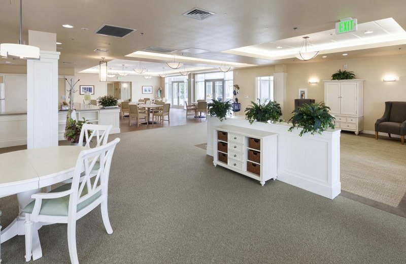 Lounge at Huntington Beach senior living