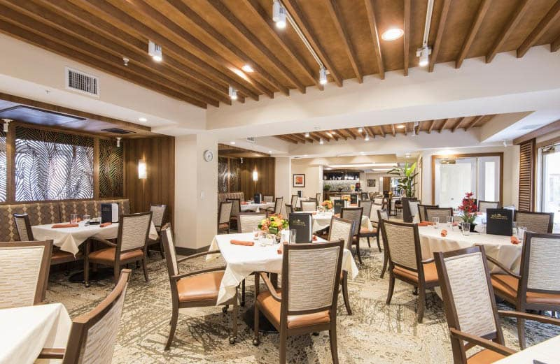 Dining at senior living in San Diego, CA