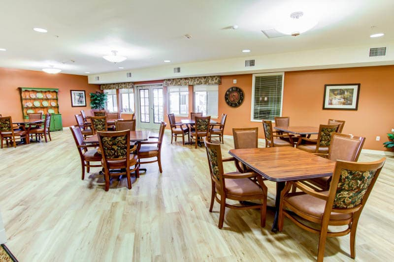 Community dining at The Groves, A Merrill Gardens Community in Goodyear, Arizona.